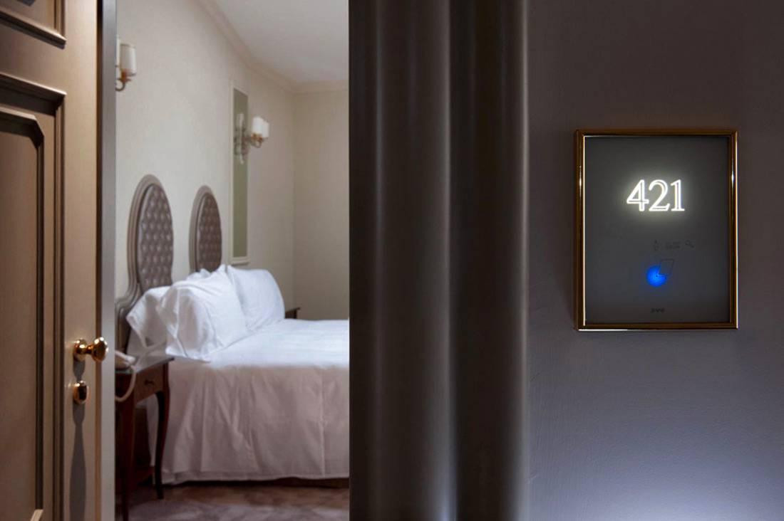 Hotel Villa Flori CO 5