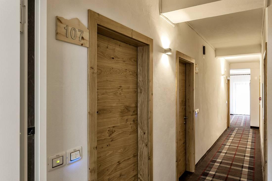 Hotel Alla Rocca Varena 6