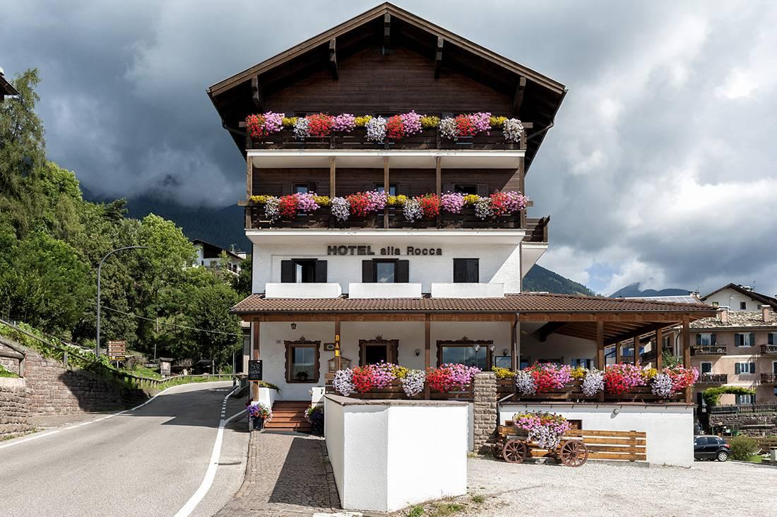 Hotel Alla Rocca Varena 7